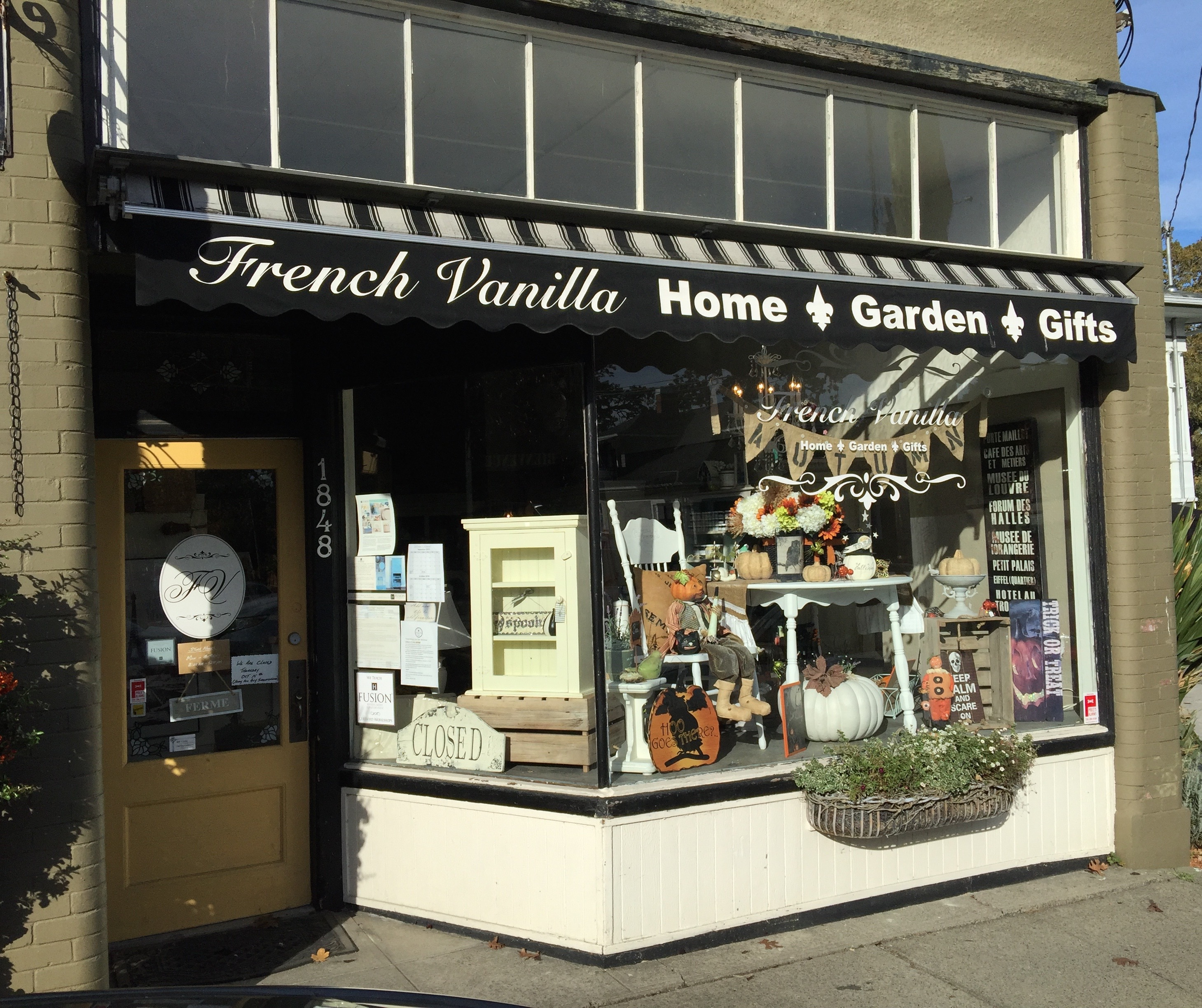 I Visited One Of My Favourite Stores Today, French Vanilla Home And Garden,  And Had A Delightful Chat With The Owner Sheila Stone. Pictures